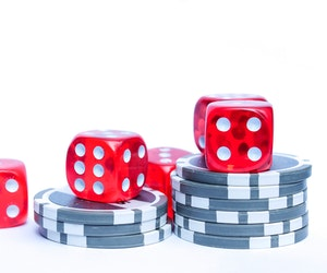 Combinatorics in poker